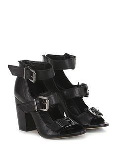 Salvador Ribes - Sandalo alto - Donna - Sandalo alto in pelle vintage con multi cinturini e zip su retro. Suola in cuoio, tacco 90. - NERO - € 135.00