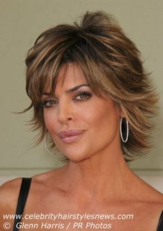 Short Textured Hairstyles Women | Lisa Rinna with a short layered hairdo with textured ends that flip up ...