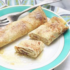 Snickerdoodle crepes - An egg fast breakfast recipe from Mellissa Sevigny of I Breathe Im Hungry