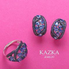 """🔹Ассортимент интернет магазина KAZKA Jewelry насчитывает более 5000 ювелирных украшений на любой вкус и кошелек.  🔹Каждый найдет свое украшение, тем более на сайте удобная сортировка по цене, материалу, вставкам и тематике.   🔹Попробуйте ввести в Поиск слово """"сердце"""", вы увидите, какие красивые украшения с сердцем откроются для вас.  http://kazka.ua/"""