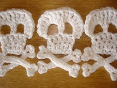crochet skull and cross bones pattern by steelandstitch on Etsy