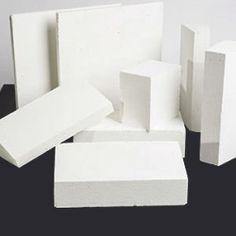 Brique réfractaire blanche
