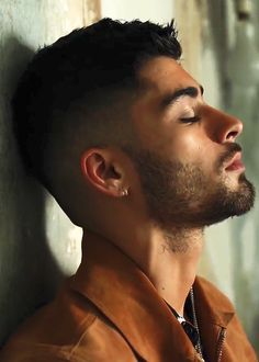 Image about one direction in Zayn Malik 🔥 by rashmi Zayn Malik Style, Zayn Malik Photos, Foto One, Zany Malik, Bad Boys, Hot Guys, Handsome, Hairstyle, Singer