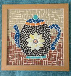 Quadro. Disponível em @acordascores. Feito por Flávia Sichetti. Acrylic Paint On Wood, Painting On Wood, Mosaic Crafts, Mosaic Ideas, Mosaic Glass, Tea Pots, Projects To Try, Watercolor, Lady