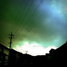 雲を蹴散らせ