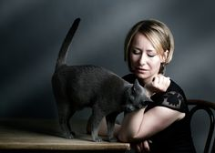 Perchè il vostro gatto strofina la testa su di voi