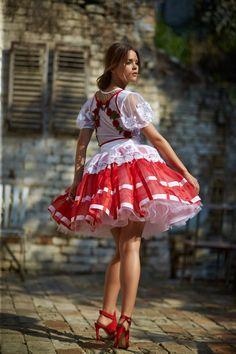 Mint a Mátka Kollekció 2017 - Bélavári Zita Couture Cute Dress Outfits, Super Cute Dresses, Pretty Dresses, Sexy Dresses, Vintage Dresses, Short Dresses, Girl Outfits, Fashion Dresses, Circle Dress