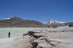 Um dos lugares mais lindos do deserto, o setor de Piedras Rojas Bolivia, Mount Rainier, Chile, Tours, America, Mountains, Travel, Sidewalk, Places