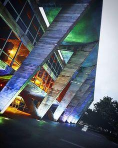 MAM...   #leandromarinofotografia #bestoftheday #picoftheday #photooftheday #fotododia #colors #architecture #riodejaneiro #riofreewalkingtour #cityscape #city #brasil #errejota #errejota021 #rj #carioca   #cariocadagema #revendoconceitos #mam #museudeartemoderna #museudeartemodernadoriodejaneiro #fotografiadecelular - http://ift.tt/1HQJd81