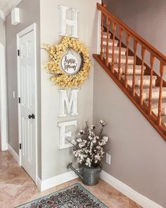 Cool 37 Beautiful Farmhuose Entryway Design And Decor Ideas To Try. # decorating ideas small 37 Beautiful Farmhuose Entryway Design And Decor Ideas To Try Entryway Wall Decor, Hallway Decorating, Room Decor, Corner Decorating, Entry Way Decor Ideas, Hal Decor, Small Home Decorating Ideas, Decorating Foyers, Home Ideas Decoration