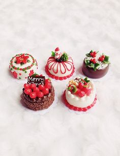 Miniature Christmas Cake, Bakery for Doll' s house Collection, polymer clay cake