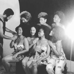 Foto: @meninasblackpower | @thalesli.ma | Quilombo dos Meninos Crespos. #meninasblackpower #crespas #liberdade #fotografia #naturalhair #cabelonatural #blackgirl #blackwoman #pretas