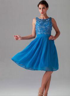 Chiffon/lace knee length bridesmaids dress