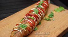 Fächerbaguettebrot mit Tomate Mozzarella und italienischen Kräutern