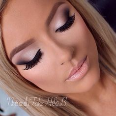 Amazing eye makeup. Perfect