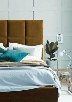 SLEEPY HOUSE/ Green velvet upholstered bed love-your-home.co.uk