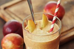The best smoothies for weight loss. Try one of these 10 smoothie recipes to jump start your diet! Fruit Smoothies, Low Carb Smoothies, Yummy Smoothies, Orange Smoothie, Making Smoothies, Breakfast Smoothies, Weight Loss Smoothie Recipes, Weight Loss Meals, Fat Burning Smoothies