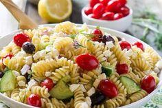 The Best Italian Pasta Salad Recipe VIDEO A Spicy . Classic Italian Pasta Salad With Homemade Italian Dressing. Healthy Salad Recipes, Spicy Recipes, Cooking Recipes, Delicious Recipes, Greek Salad Pasta, Soup And Salad, Antipasto, Pasta Salad Recipes, Pesto
