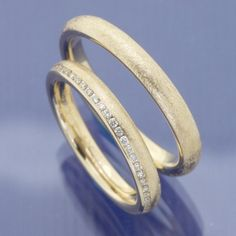 wedding rings for bride - weddingrings Gold Wedding Rings, Wedding Bands, Gold Rings, Short Fake Nails, Dress Rings, Blue Nails, Beautiful Bride, Medium Hair Styles, Engagement Rings
