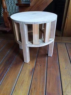 Estructuras De Puff Redondos - $ 190,00 en Mercado Libre Diy Storage Ottoman, Upholstery, Stool, Patio, Furniture, Home Decor, Barn Wood, Corner Furniture, Wood Benches