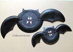 Morcegos com pratinhos para festa de Halloween