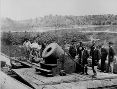 "Historical Times - Civil War: The 13-inch mortar ""Dictator"" mounted on a railroad flatcar before Petersburg, Va., October 1864"