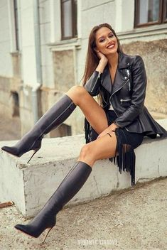 Sexy Legs And Heels, Sexy Boots, Leather Jacket Outfits, Leather Jackets, Leather Dresses, Mädchen In Bikinis, Look Fashion, Womens Fashion, High Leather Boots