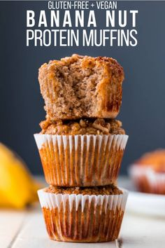 These clean eating banana oat protein muffins are made with nothing but the healthiest ingredients. They are gluten-free, egg-free, sugar-free, flourless and nut-free. There is even a vegan/dairy-free option available! This easy and healthy snack is perfe Banana Protein Muffins, Banana Oats, Protein Powder Muffins, Baking With Protein Powder, Protein Cupcakes, Protein Powder Recipes, Oatmeal Muffins, Breakfast Muffins, Healthy Protein Snacks