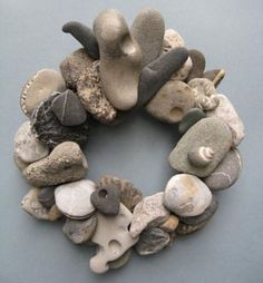 Gray White and Black Rock Wreath With Shell by BeacheryDesigns Pebble Stone, Pebble Art, Stone Art, Stone Crafts, Rock Crafts, Arts And Crafts, Beach Rocks, Beach Stones, River Stones