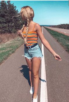 31 Really Cute Summer Outfits! – Modernista life 31 Really Cute Summer Outfits! Trendy Summer Outfits, Cute Casual Outfits, Spring Outfits, Tumblr Summer Outfits, Summer Fashion For Teens, Cute Summer Outfits For Teens, Summertime Outfits, Summer School Outfits, Summer Fashions