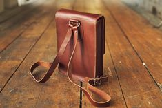 Made from high quality Swedish Tärnsjö tannery's vegetable tanned leather. Mobile Office, Vegetable Tanned Leather, Minimal Design, Tan Leather, Compact, Shoulder Strap, Backpacks, Bags, Leather