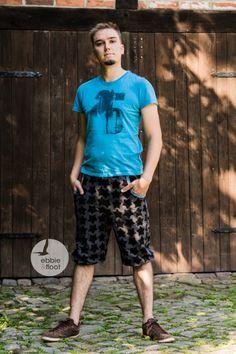 BLACK staaars und Papas Lieblingsbuxe - Ebbie und Floot #ebbieundfloot #farbenmix #farbenmixstaaars #swafing #staaars #men #handmade #sewing #sew #mencloth #fredvonsoho #pants