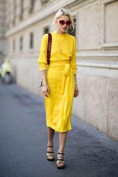 Midi Dress street style fashion / Fashion week #fashionweek #fashion #womensfashion #streetstyle #ootd #style #mididress / Pinterest: @fromluxewithlove