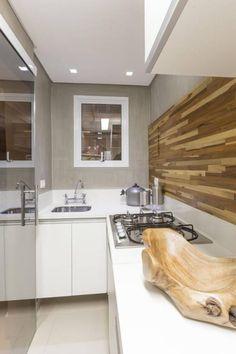 Cocina por Cristiane Bergesch Arquitetura e Interiores