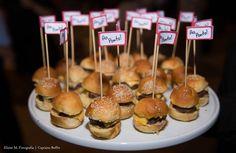 Mini hamburguinho caseiro. #CaptainsBuffet #Wedding #Buffet #Buzios