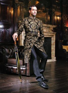 New Groom Men Sherwani Designs Collection 2014 Sherwani Groom, Wedding Sherwani, Sharp Dressed Man, Well Dressed, Indian Men Fashion, Mens Fashion, Moda India, Old School Style, Indian Groom Wear