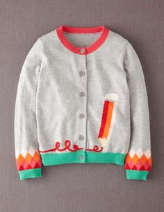 Nice with pattern on end of sleeves instead of the typical pattern on shoulder part