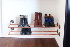Storage plan Shoe Storage Bench Plans Free Elegant 5 Diy Boot and Shoe Racks for Small Entryways Und Shoe Storage Bench Diy, Closet Shoe Storage, Boot Storage, Diy Bench, Small Storage, Storage Ideas, Pipe Closet, Room Closet, Closet Organization