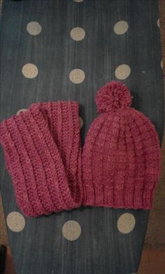 Knitted Hats, Knitting, Fashion, Moda, Tricot, Knit Caps, Breien, Fasion, Weaving