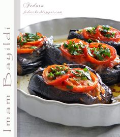 Products: 5 eggplant 1 carrot 2 heads onions 2-3 cloves of garlic 3 tomatoes parsley black pepper salt sunflower oil