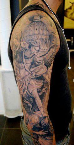 The latest tattoos Detailliertes Tattoo, Jesus Tattoo, Grey Tattoo, Black Tattoos, Body Art Tattoos, Tattoo Girls, Tattoos For Guys, St Michael Tattoo, Michael Angelo Tattoo