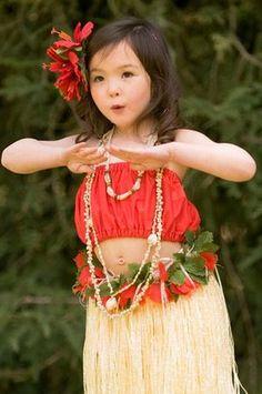 Darling little Keiki hula dancer! Polynesian Dance, Polynesian Culture, Beautiful Children, Beautiful People, Hula Dancers, Hula Girl, We Are The World, Dance Art, Just Dance