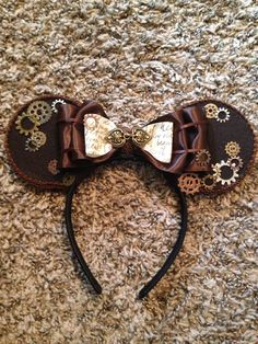 I made these cool steampunk Mickey Mouse ears for my daughter to wear to Disneyland!
