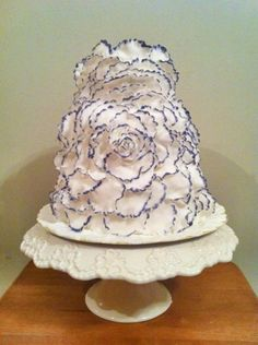 Beautiful Cake - http://www.adverts.ie/wedding-party-services/cakes/4781989