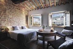 Dai un'occhiata a questo fantastico annuncio su Airbnb: CHARMING SUITE con bagno privato - Appartamenti in affitto a Firenze