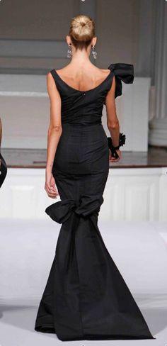 AMAZING BLACK ELEGANT DRESS (Step Class Hair Colors)