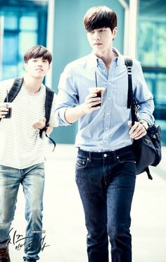 park hae jin 박해진 cheese in the trap 치즈인더트랩 behind the scene Korean Men, Korean Actors, Korean Dramas, Park Hye Jin, My Love From Another Star, Jin Kim, Cheese In The Trap, Yoo Seung Ho, Love Park
