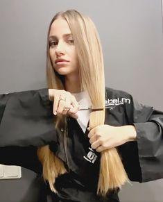 Long Hair Cut Short, Long Hair With Bangs, Her Cut, Cut Her Hair, Half Shaved Hair, Girls Short Haircuts, Hair Scissors, Bleached Hair, Beautiful Long Hair