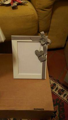 Altered frame.  Cornice alterata, lucyscrapenonsolo