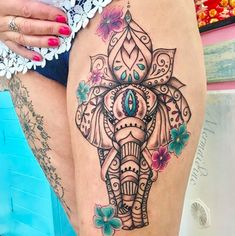 Minimal yet major. Mandala Elephant Tattoo, Elephant Thigh Tattoo, Colorful Elephant Tattoo, Elephant Tattoo Design, Colorful Tattoos, Indian Elephant Tattoos, Colorful Mandala Tattoo, Henna Mandala, Small Elephant